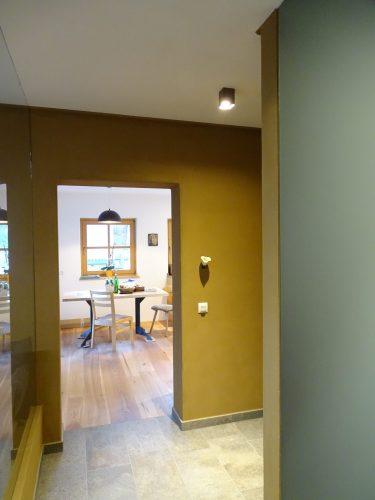 Haus mit Lehmfarbe renoviert